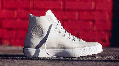 Converse adapta sus clásicas zapatillas con los nuevos diseños 'Chuck Modern Furure Canvas'