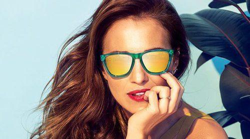 Paula Echevarría vuelve a iluminar el verano con sus gafas de sol para Hawkers