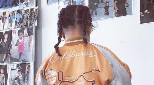 La primera colección de ropa infantil de Kim Kardashian y Kanye West llega con polémica