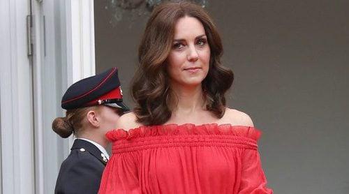 Alexander McQueen y Erdem, entre los looks de Kate Middleton en su viaje a Polonia y Alemania