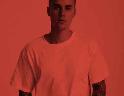 Justin Bieber diseña la camiseta blanca perfecta para la marca Hanes con ayuda de su estilista