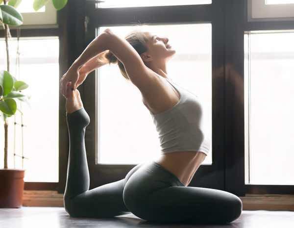 5ab06fb4c33 Cómo vestirse para hacer yoga - Bekia Moda