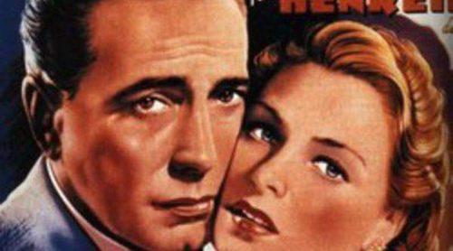 Demandan a Burberry por utilizar una imagen de Humphrey Bogart luciendo una de sus gabardinas