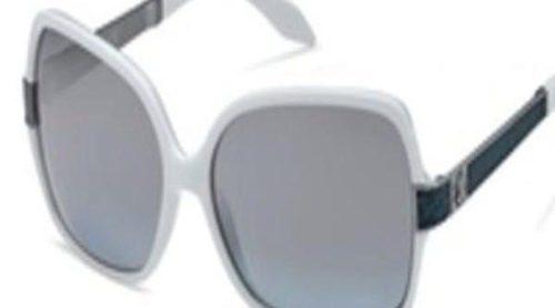 Modelos muy femeninos en las gafas de sol de Roberto Cavalli  para este verano 2012