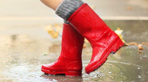 5 trucos para lucir las botas de agua con estilo