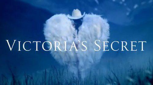Los ángeles de Victoria's Secret anuncian la Navidad 2017 vestidas de Cowgirl