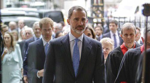 El Rey Felipe VI, el mejor vestido de este año 2017 según los españoles