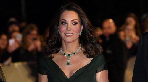 Kate Middleton da una lección de estilo aún saliéndose del protocolo en los BAFTA 2018