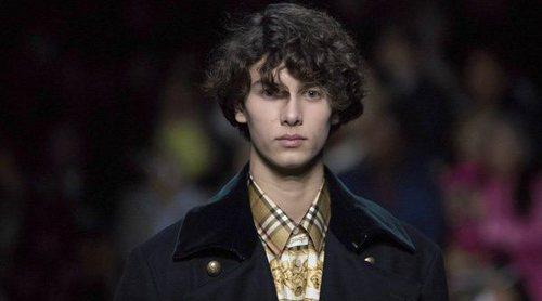 El Príncipe Nicolás de Dinamarca se salta el luto para desfilar en la Semana de la Moda de Londres