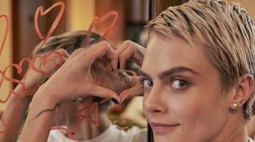 Cara Delevingne imagen de las nuevas Puma Suede Bow Valentine