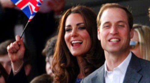 Las seguidoras de Kate Middleton agotan las existencias del vestido azul que lució durante el Jubileo