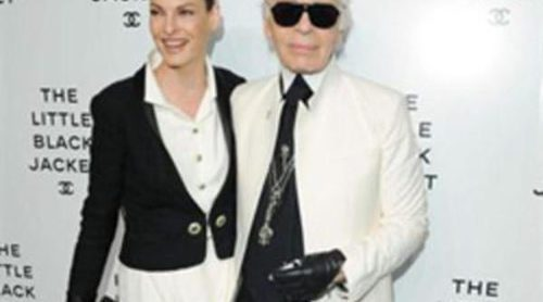 Karl Lagerfeld inaugura en Nueva York la exposición 'Little Black Jacket' de Chanel