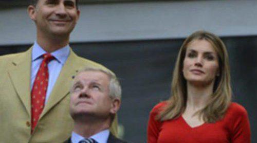 La Princesa Letizia se viste de rojo para animar a La Selección Española