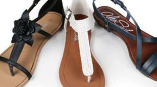 La nueva colección de Alex Silva para este verano, protagonizada por sandalias planas y zapatos de tacón bajo
