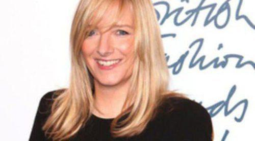 Sarah Burton recibe la Orden del Imperio Británico por su contribución a la moda