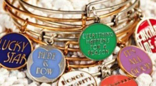 Frescura y color en la nueva colección verano 2012 de joyas de Alex and Ani