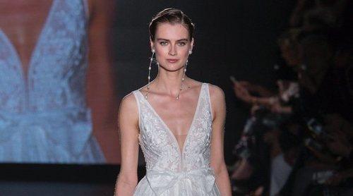 La sencillez inunda la Barcelona Bridal Fashion Week 2018 con el desfile de Rosa Clará