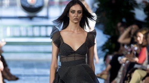 Juana Martín presenta una primavera/verano 2019 muy vaporosa y geométrica en Madrid Fashion Week