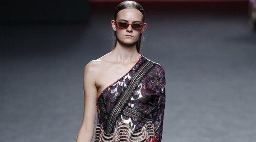 Custo Barcelona juega con las texturas en su primavera/verano 2019 en Madrid Fashion Week
