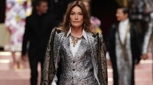 Carla Bruni, Kitty Spencer o Ashley Graham: Así ha sido la pasarela más reivindicativa de Dolce&Gabbana