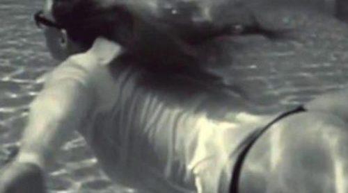 Bar Refaeli vuelve a desnudarse para promocionar su línea de ropa interior 'Under me'