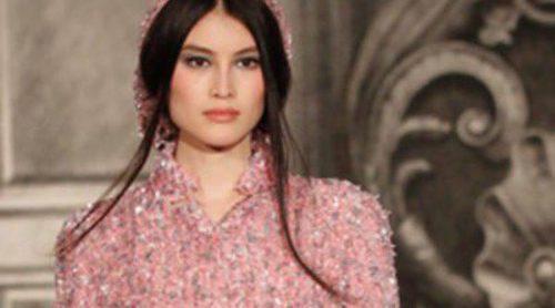 El 'New Vintage' de Chanel desfila sobre la Pasarela de la Alta Costura de París otoño/invierno 2012/2013