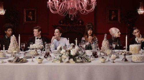 Burberry muestra la cara 'B' de las fiestas en su campaña de Navidad 2018 con Naomi Campbell