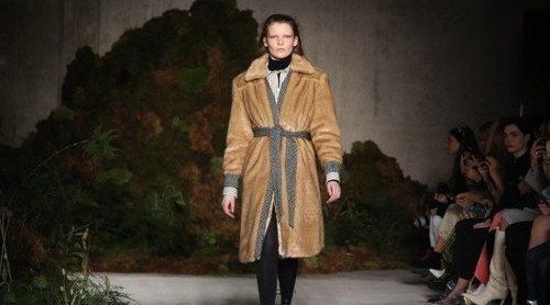 La libertad femenina, protagonista de la colección otoño/invierno 2019 de Alexa Chung