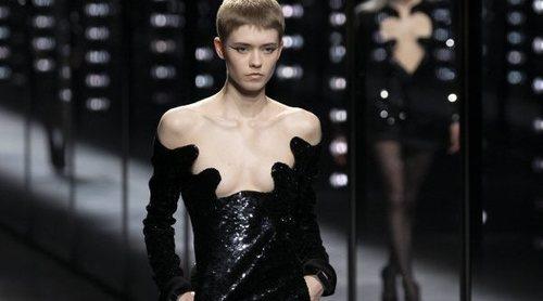 Saint Laurent deslumbra en la semana de la moda de París