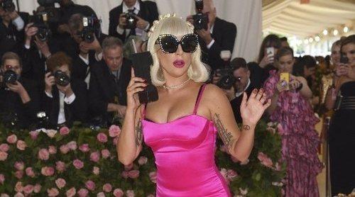 Lady Gaga sorprende con cuatro looks en menos de 5 minutos sobre la alfombra roja de la MET Gala 2019