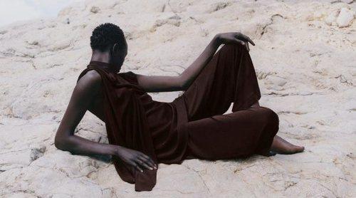 La elegancia minimalista de COS vuelve a triunfar en una colección para culminar la primavera 2019