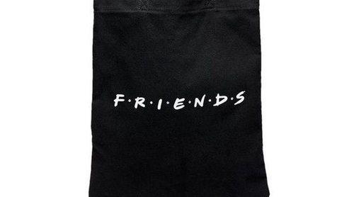 'Friends' revive de la mano de Stradivarius con una colección cápsula