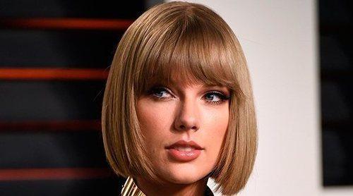 La evolución de estilismos de Taylor Swift: de cantante country a estrella mundial