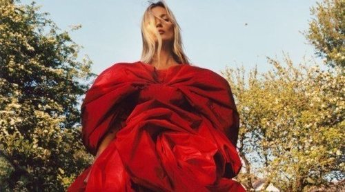 Kate Moss deslumbra en la campaña otoño/invierno 2019/2020 de Alexander McQueen
