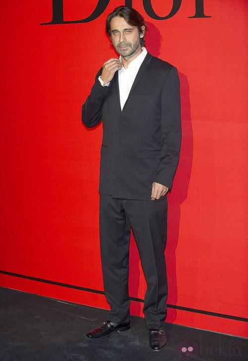 Estilismo de Jordi Mollá en la cena de gala de Dior