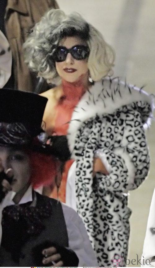 Looks de Lady Gaga: Disfraz de Cruella de Vil