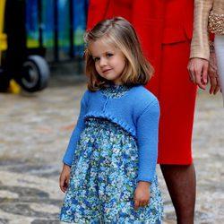 La Infanta Leonor con un vestido de flores