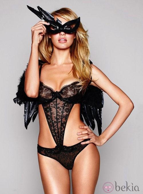 Encaje negro de la colección Halloween 2011 de Victoria's Secret