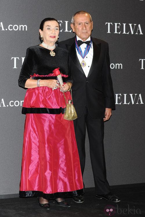Look de Elio Berhanyer y la Condesa de Montarco en los Premios T de Moda de Telva 2011