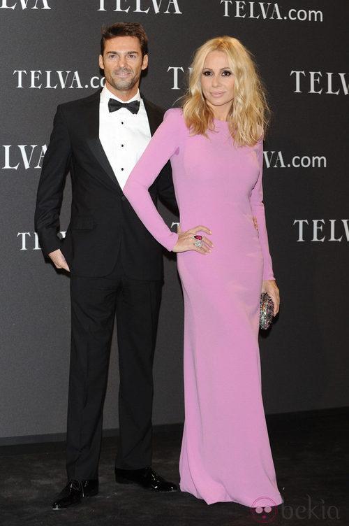 Look de Marta Sánchez y Hugo Castejón en los Premios T de Moda de Telva 2011