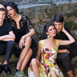 Monica Bellucci durante la grabación del spot Dolce&Gabbana en una estampa familiar con look de encaje