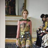 Vestido estampado con un cuadro de El Bosco de Valentino colección primavera/verano 2017 en París Fashion Week