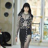 Conjunto en negro con lunares para el desfile de Louis Vuitton en la Paris Fashion Week 2016