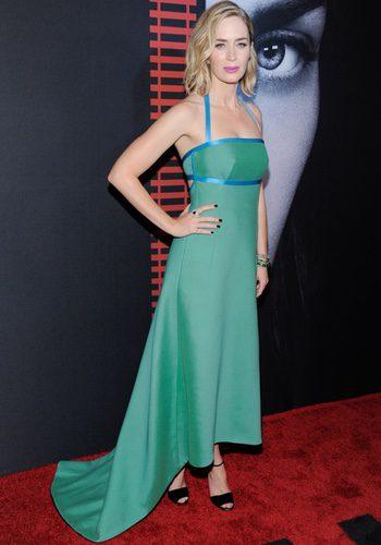 Emily Blunt con un sencillo look en la premiere de 'La chica del tren' en Nueva York
