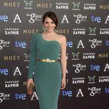 Andrea Duro con un vestido verde esmeralda en la Gala de los Goya 2014