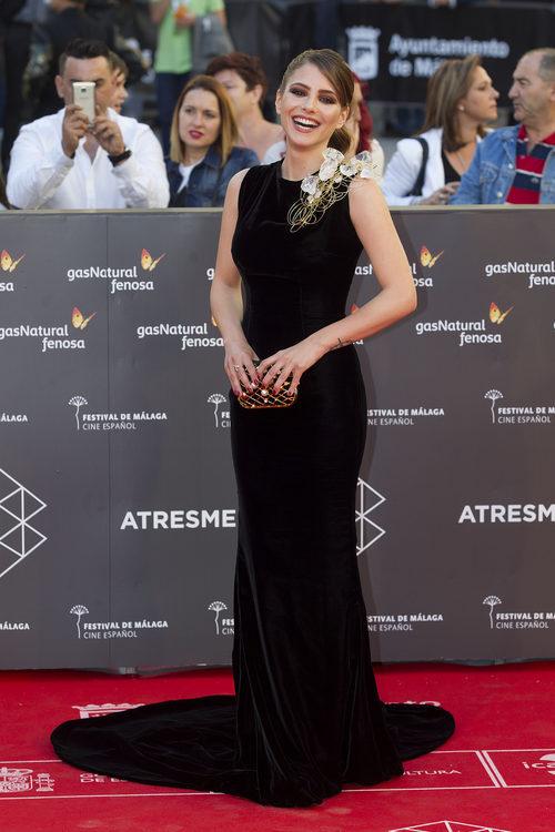 Andrea Duro con un vestido negro en el Festival de Cine de Málaga de 2016