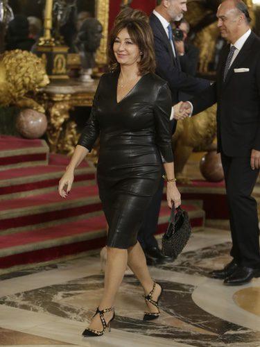 Ana Rosa Quintana con un vestido de cuero en la recepción del Día de la Hispanidad 2016