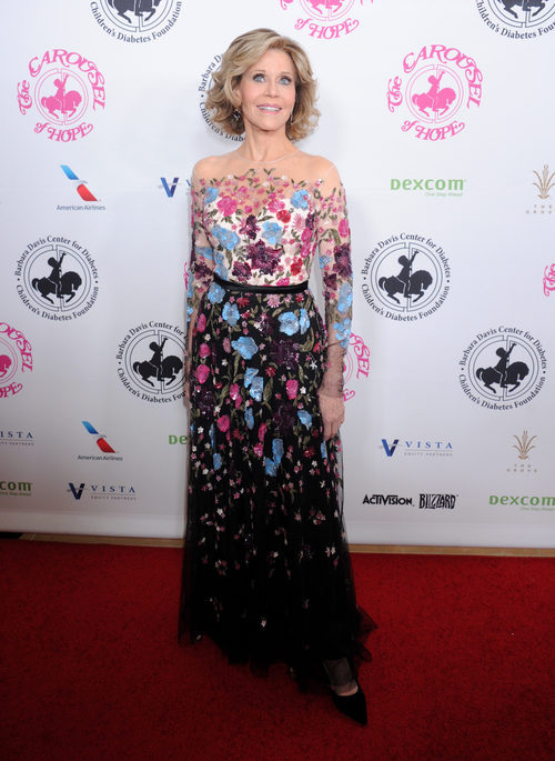 Jane Fonda con un vestido floral en la gala de 'The Carousel of Hope Ball' 2016