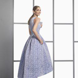 Eugenia Silva con un vestido asimétrico de la colección 'Cocktail 2017' de Rosa Clará