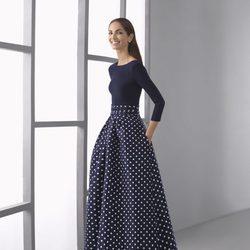 Eugenia Silva con un vestido de lunares de la colección 'Cocktail 2017' de Rosa Clará